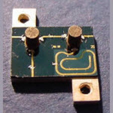 Double Junction Microstrip Isolator / Circulator