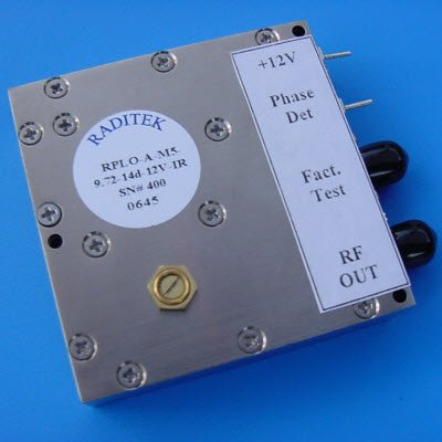 Phase locked Dielectric Oscillator