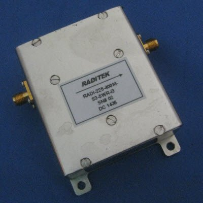 Wide Band UHF Isolators